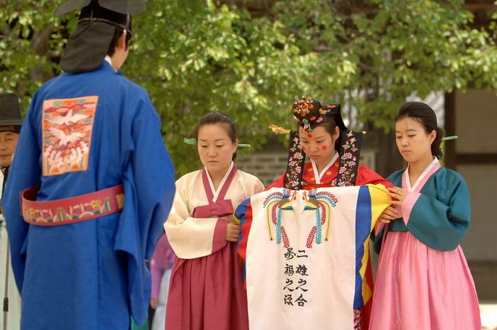В Южной Корее ужесточили правила вступления в брак с иностранцами