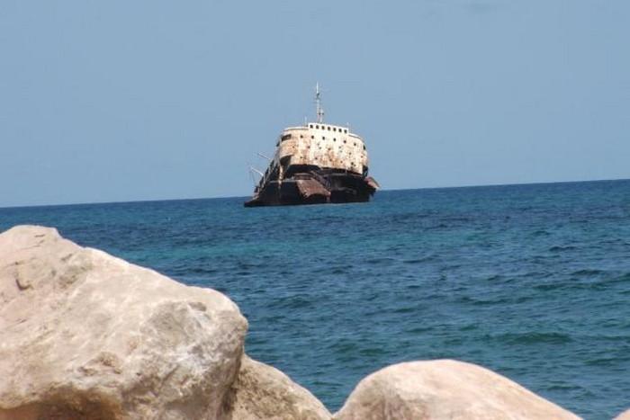 Свыше 40 человек погибли при кораблекрушении у берегов Йемена