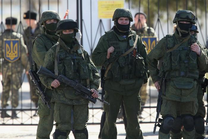 Украина разрешила своим военным в Крыму стрелять в целях самообороны