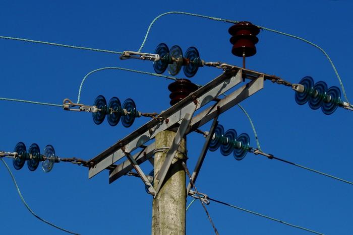 Перебои с электроэнергией в Крыму возникли из-за аварии или «шантажа» Украины