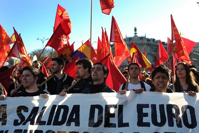 В Испании при столкновении демонстрантов с полицией пострадали 88 человек