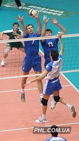 Игровой момент матча Кубка Украины по волейболу между харьковским клубом