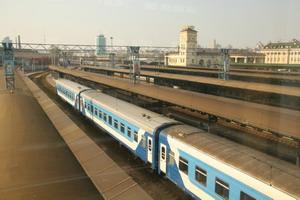 Поезд прибывает на центральный железнодорожный вокзал Киева. Фото: Ян Якилек/Великая Эпоха