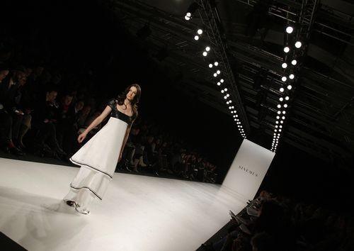 Коллекция женской одежды весна/лето 2008 и осень/зима 2008/2009, представленная 27-31 января на показе мод в Берлине. Фото: AFP /Getty Images