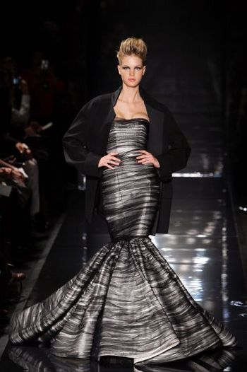Лучшие коллекции женской одежды, представленные на показе мод в Париже. Фото: AFP PHOTO /FRANCOIS GUILLOT