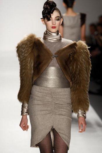 Коллекция женской одежды осень 2008, представленная 1 февраля на неделе моды от Mercedes-Benzв в Нью-Йорке. Фото: Frazer Harrison/Getty Images for IMG