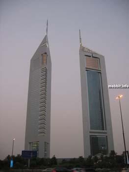 Emirates Towers – дубайская пара 60-этажных небоскребов. Фото с сайта Mobbit.info