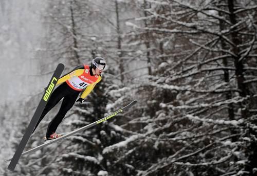Во время состязания в рамках Кубка мира прыгуны с трамплина. Фото: FILIPPO MONTEFORTE/AFP/Getty Images