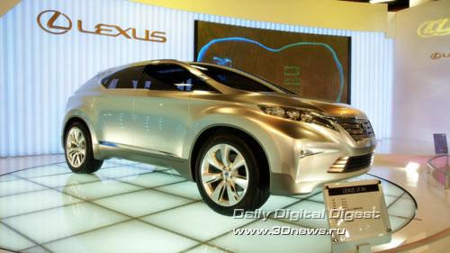 Стенд компании Lexus (премиум-бренд Toyota). Концептуальный LF-XH (прообраз будущего кроссовера RX). Фото: 3dnews.ru