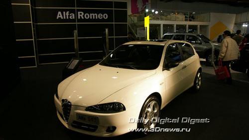 Стенд Alfa-Romeo. Трехдверный хетчбек 147. Фото: 3dnews.ru
