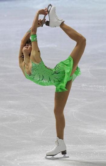 Юлия Себестьен (Венгрия) исполняет короткую программу. Фото: DENIS LOVROVIC/AFP/Getty Image