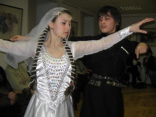 Свадебный танец, ансамбль Сихарули. Фото: Великая Эпоха