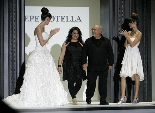 Дизайнер Pepe Botella и его дочь Lucia. Фото: JOSEP LAGO/AFP/Getty Images