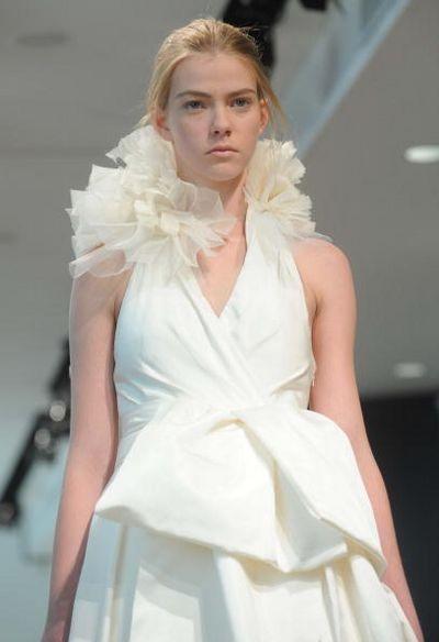 Коллекция Bridal Весна 2008 от Vera Wang. Фото: Brad Barket/Getty Images