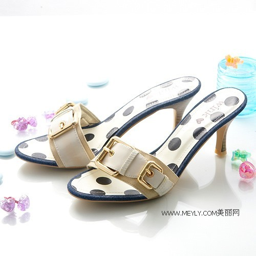 Туфли с открытым носком. Фото с epochtimes.com