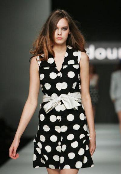 Коллекция одежды от дизайнера  Serdoun. Фото: Gaye Gerard/Getty Images