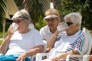 Фтор в воде может вызвать зубной флюороз  а, возможно, и другие проблемы со здоровьем. Фото: Photos.com