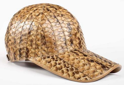 Кепка из кожи крокодила (дизайнер Диана Дорожкина)