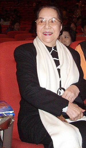 Ли Цай-э, известная в Тайване танцовщица, посетила первый концерт традиционной китайской культуры, состоявшийся  в Гаосюне. Фото: Ао Маньсюн/Великая Эпоха