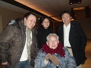 Ли А. Леон из северо-восточной Голландии привёл всю свою семью, чтобы посмотреть представление. Фото: Великая Эпоха