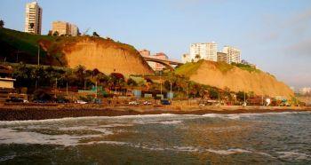 Прибрежный городок близ Лимы Мирафлорес - более спокойное место для ознакомления с этим перуанским городом, который предлагает рестораны и отели мирового класса. Фото: Josй Antonio Galloso /Flickr