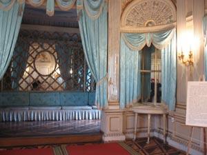 Дворец поражает столичным размахом богато украшенных залов. Фото: Татьяна Серебрякова/Великая Эпоха (The Epoch Times)
