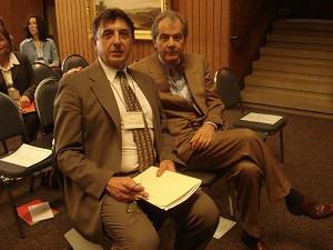 Бывший советский диссидент Юрий Ярым-Агаев (слева) и Марк Палмер (справа) на конференции в Гуверовском институте Стэнфордского университета. Фото: Cветлана Федосеева/Terra Nova