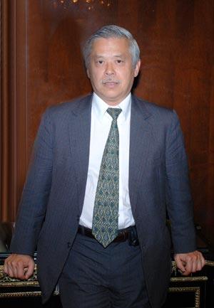 Бывший главный экономист Института проблем формирования капитала (Банк Развития Японии), ранее – заместитель посла Японии в России, г-н Акио Кавато:
