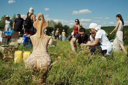 Глиняная баба символизирует древнее трипольское божество. Фото: Антон Поднебесный/Великая Эпоха