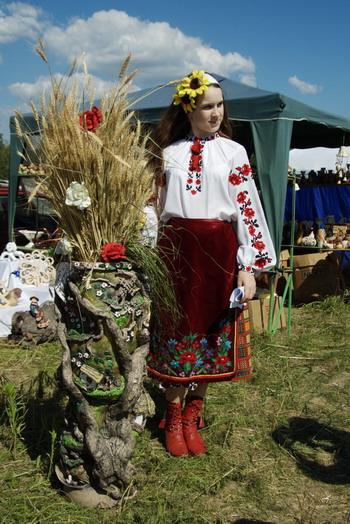 Девушка в украинском народном наряде. Фото: Антон Поднебесный/Великая Эпоха