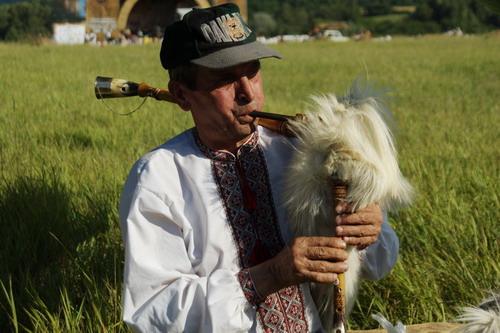 Коза-дуда - национальный гуцульский инструмент. Фото: Антон Поднебесный/Великая Эпоха