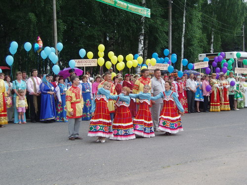 Каждое поселение представило себя коротким театрализованным выступлением. Фото: Сергей Савинов