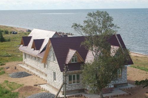 Строящаяся гостиница. Фото: Ирина Оширова/Великая Эпоха