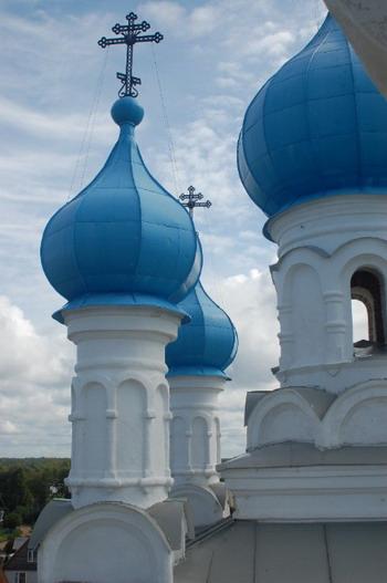 Купола церкви Петра и Павла. Фото: Ирина Оширова/Великая Эпоха