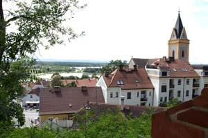 Замок Глубока,Чехия.Вид на город./Лора Ларсиа,Великая Эпоха