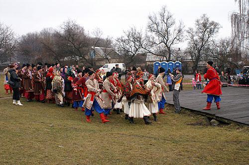 Народные украинские песни на праздничном концерте. Фото: Юрий Петюк/Великая Эпоха