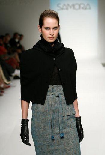 Коллекция сезона осень 2008 от Саморы на Mercedes-Benz Fashion Week, Smashbox Studios, 13 марта 2008, Калифорния. Фото: Винс Буччи/Getty Images
