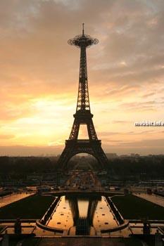 У Эйфелевой башни появится смотровая площадка. Фото с сайта mobbit.info
