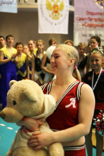 В Академии волейбола Платонова прошло Открытое первенство Санкт-Петербурга по черлидингу