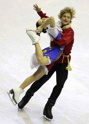 Мэрил Дэвис/Чарли Уайт (США) исполняют оригинальный танец. Фото: CHOI WON-SUK/AFP/Getty Images
