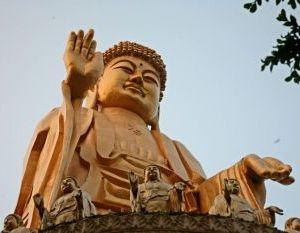 Величественный монастырь: гигантский Будда расположен в монастыре Фо Гуан Шань в Ташу, крупнейшем буддистском Монастыре в Тайване. Фото: Rich Carlson