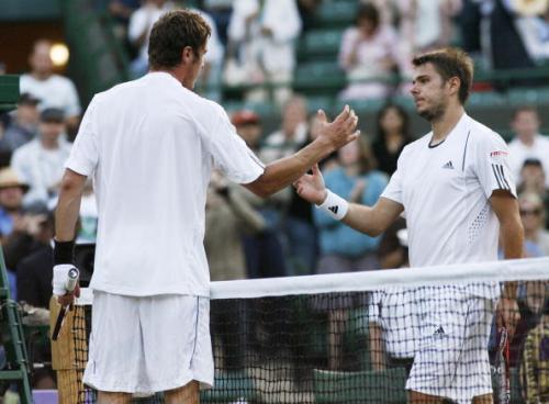На Уимблдонском теннисном турнире в понедельник были сыграны матчи 1/8 финала в мужском одиночном разряде. Фото: GLYN KIRK /AFP/Getty Images