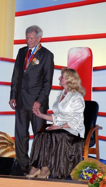 Юбиляр со своей супругой Лагутиной Татьяной Петровной. Фото: Юлия Цигун/Великая Эпоха