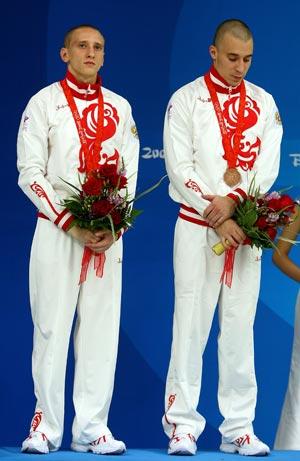 Глеб Гальперин и Дмитрий Доброскок заняли третье место в соревнованиях по синхронным прыжкам в воду с 10-метровой вышки. Фото: Mike Hewitt/Getty Images