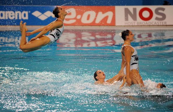 На чемпионате Европы в Эйндховене в понедельник завершились соревнования по синхронному плаванию. Фото: Patrick Hertzog/AFP/Getty Images