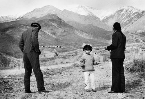 Офицер с семьёй. Илийский край. Фото: Великая Эпоха.