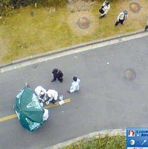 Студент выбросился из окна из-за неразделённых чувств. Фото с epochtimes.com