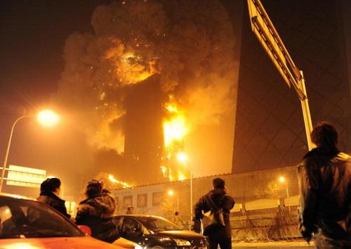Власти оцепили район телецентра. О пострадавших не сообщается. Фото: FREDERIC J. BROWN/AFP/Getty Images