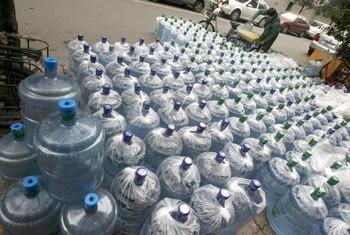 Несколько тысяч человек отравилось загрязнённой питьевой водой на севере Китая/LIU JIN/AFP/Getty Images