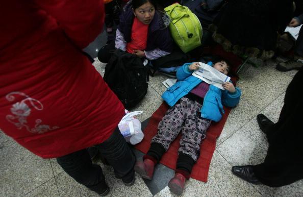 Китайцы массово возвращаются домой встречать Новый год. Фото: Getty Images